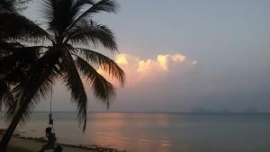 Sonnenuntergang mit Gitarrenmusik und einer Handvoll anderer Touristen weit und breit