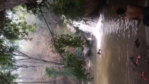 Und Wasserfälle mit badegelegenheiten.