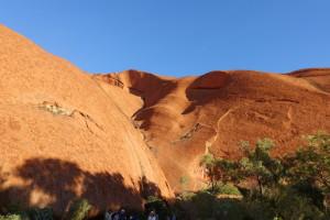 Uluru oder Ayers Rock, ein Muss im Touristen Programm und so fühlt es sich auch an.